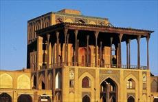تحقیق گذری بر مشق های پنهان در کاخ عالی قاپوی اصفهان